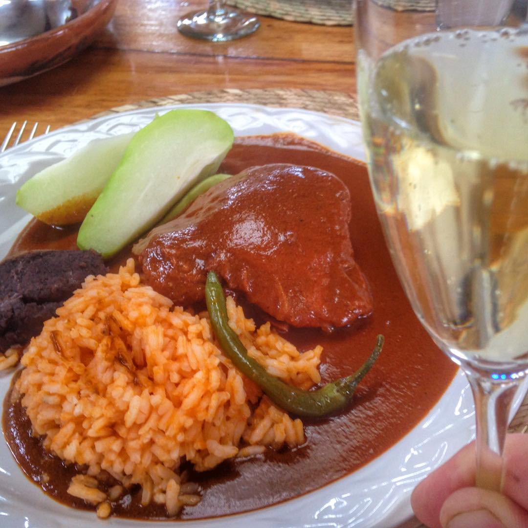 #Mole Colorado and #cava? A fabulous combination suggested to me by @gabyrenterian - I am creating a new hastag in her honor - #MoleAndCavaTuesdays #LaVillaBonita #CulinaryVacation #mytepoz #tepoztlan
