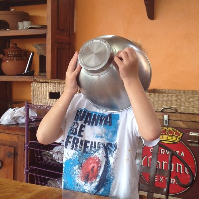 Best way to get the remainder of the frosting from the preparation of the #tresleches #cake #familyvacation #LaVillaBonita #culinary #Vacation #mytepoz #tepoztlan