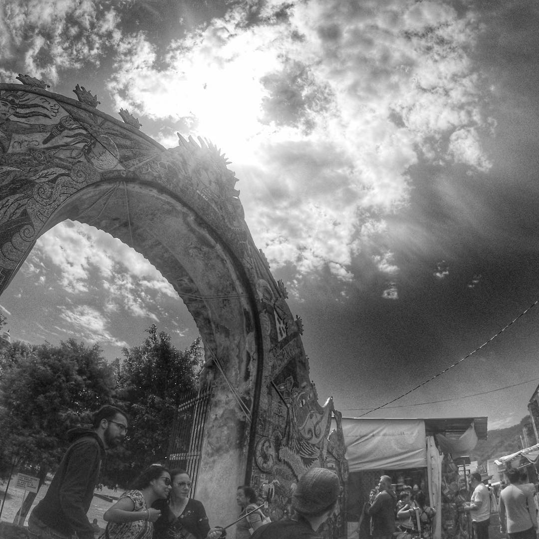 The #seed #arch today in front of the church in #tepoztlan #LaVillaBonita #CulinaryVacation #mytepoz