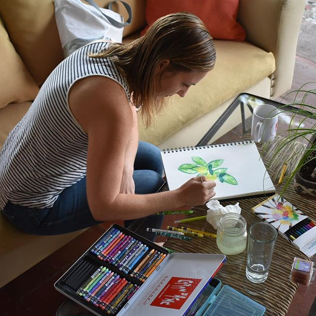 #Artist in our midst! Guest Jen takes time out this morning before breakfast to draw elements of the garden at #LaVillaBonita #Mytepoz #art #nature #naturedrawings #foodieadventures #foodietrip